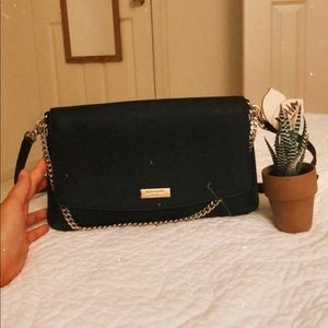 Kate spade black crossbody bag with gold chain